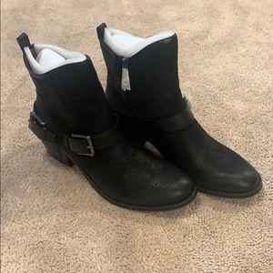 Women's Donald J. Pliner booties